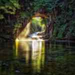 「濃溝の滝」とは? 片倉ダム上流に一般観光客が押し寄せているワケ
